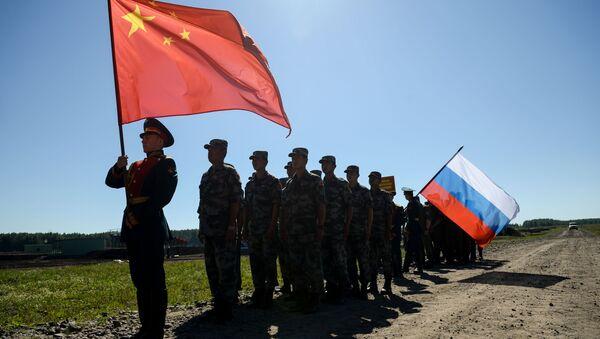 Участники российской и китайской команд на церемонии закрытия международного конкурса Отличники войсковой разведки - Sputnik Абхазия