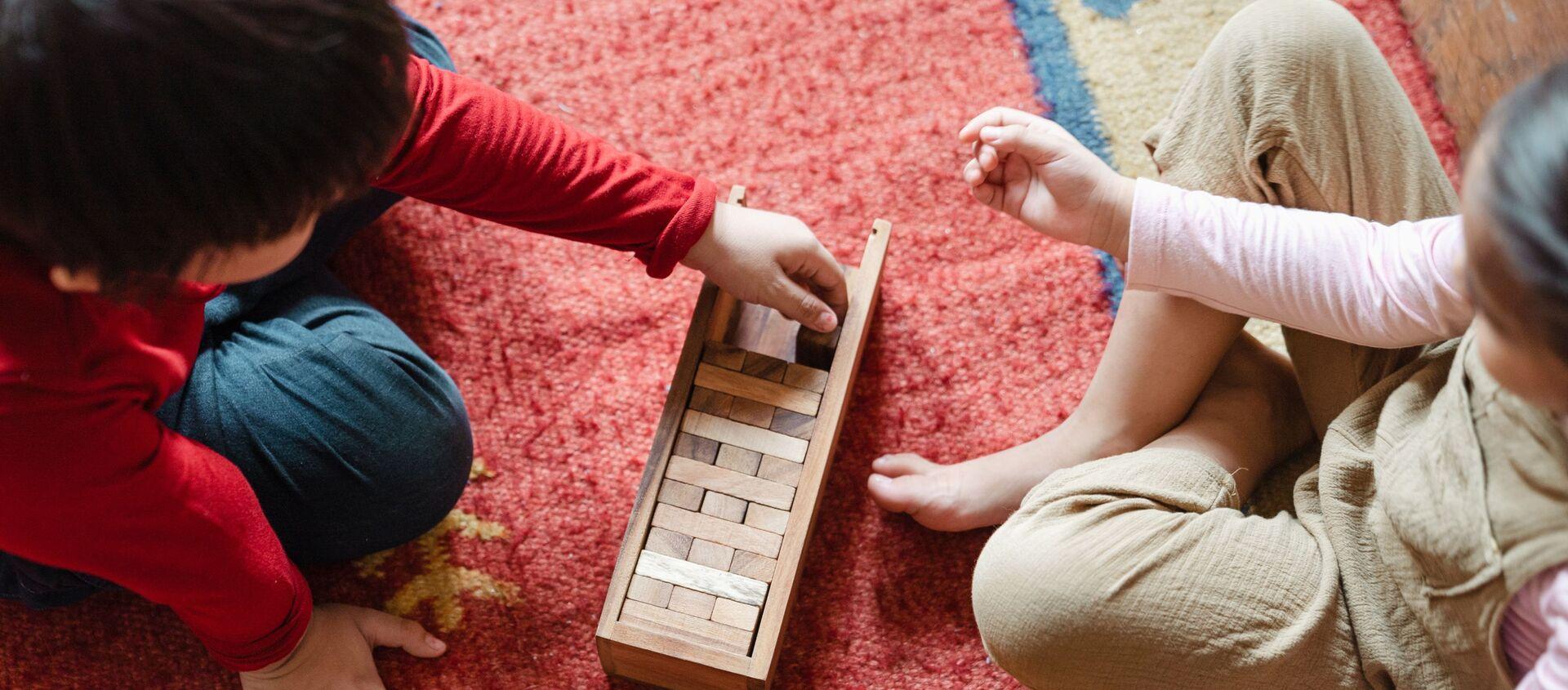 Дети играют на полу  - Sputnik Аҧсны, 1920, 24.01.2021