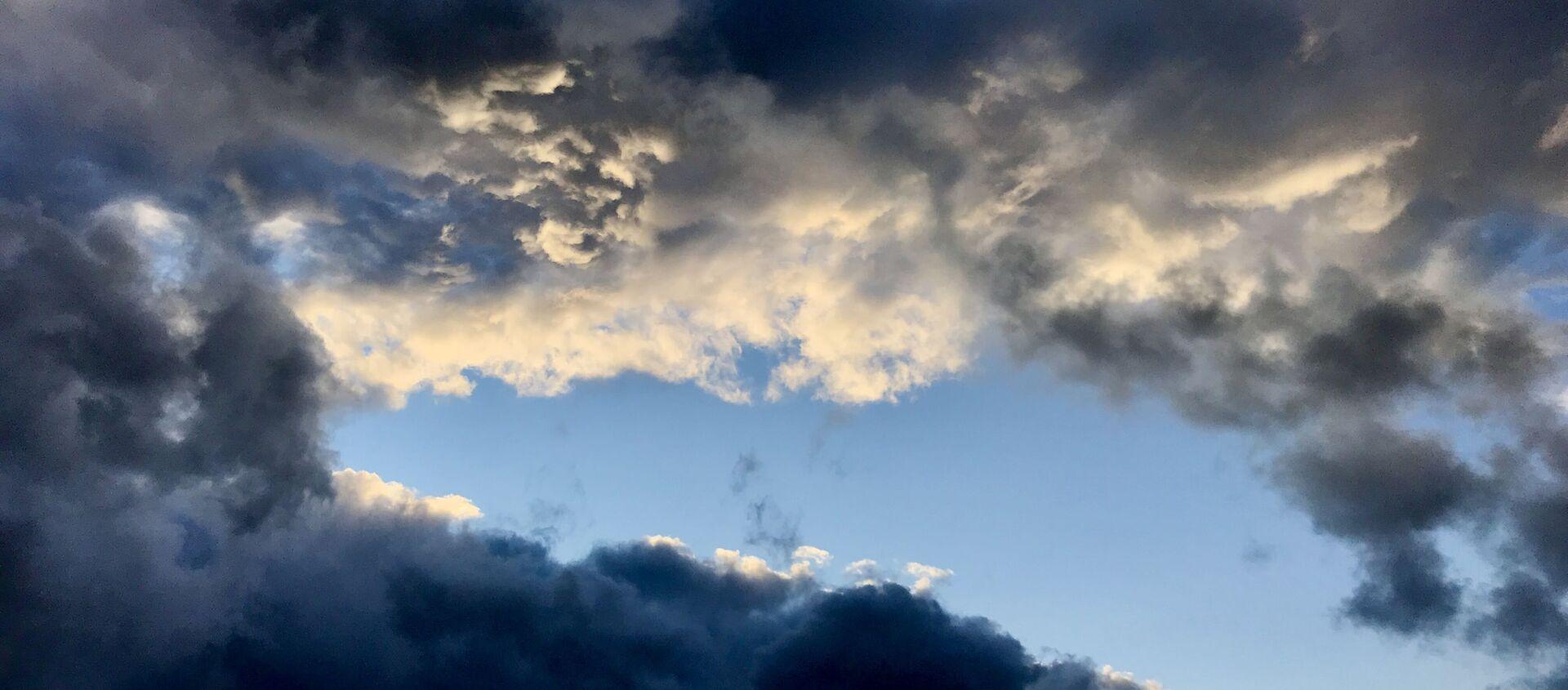 Облака  - Sputnik Абхазия, 1920, 20.08.2021