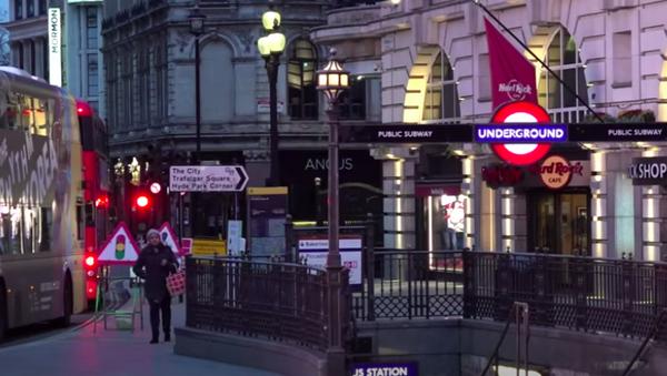 Пустые улицы, закрытые заведения и самоизоляция: в Британии объявлен третий национальный локдаун - Sputnik Абхазия
