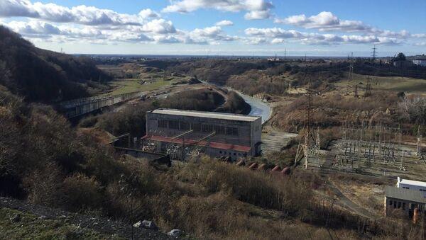 Аслан Бжания посетил перепадную станцию ГЭС-1 в Ткуарчалском районе - Sputnik Аҧсны