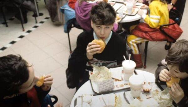 Открытие первого Макдоналдс в России - Sputnik Абхазия