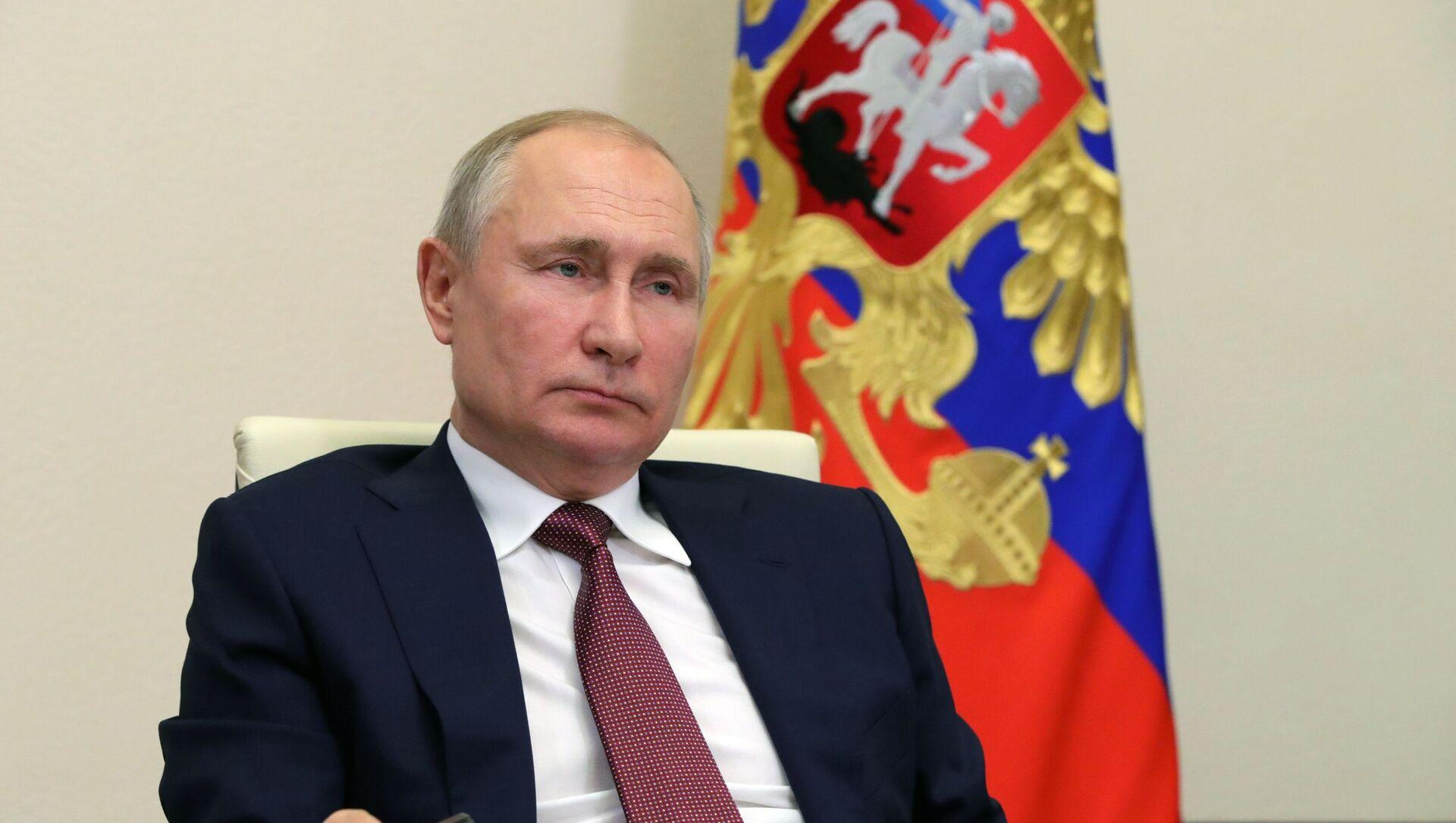 Президент РФ В. Путин провел совещание с членами правительства РФ - Sputnik Аҧсны, 1920, 05.09.2021