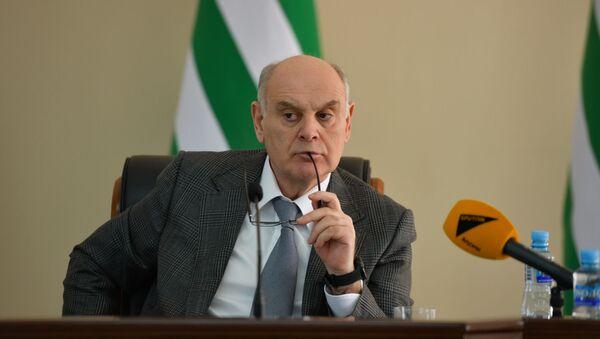 Аслан Бжания  - Sputnik Абхазия