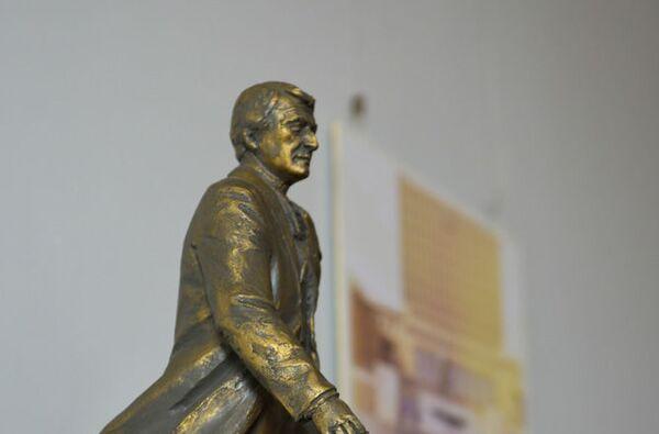 Выставка в ЦВЗ конкурсных проектов на памятник Ардзинба - Sputnik Абхазия