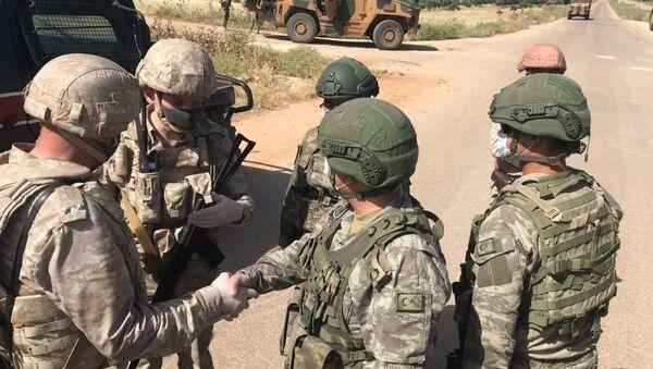 Россия и Турция провели совместное патрулирование в сирийской провинции Алеппо-Латакия - Sputnik Аҧсны