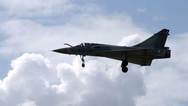 Французский истребительМираж-2000 На Международном авиационно-космическом салоне МАКС-2005. - Sputnik Аҧсны