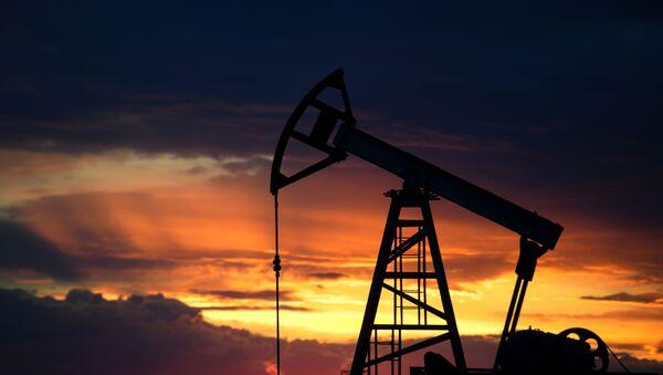 Работа нефтяных станков - качалок - Sputnik Аҧсны