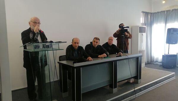 Участники инициативной группы, которые выступают за принятие закона о декларировании доходов и расходов чиновников - Sputnik Аҧсны