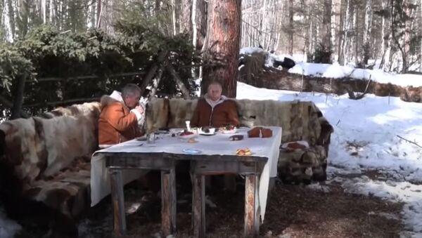 Путин и Шойгу на отдыхе в Сибири - Sputnik Абхазия