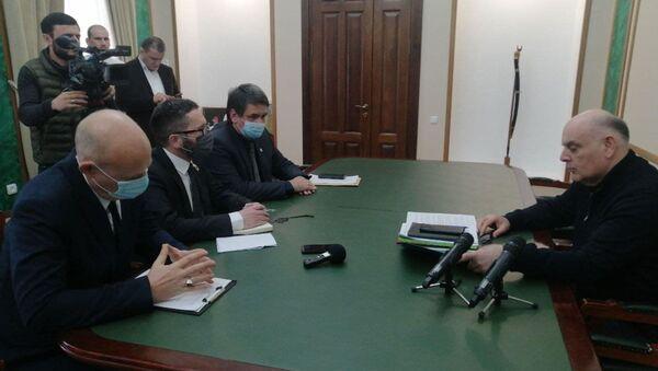 Президент Абхазии Аслан Бжания принял представителей миссии МККК - Sputnik Аҧсны