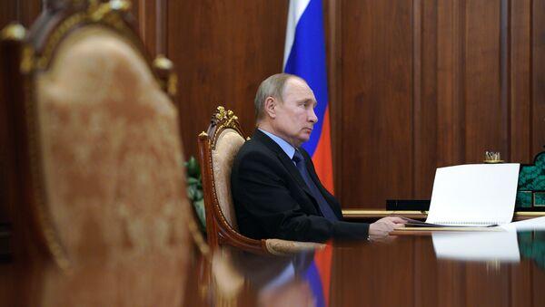 Президент РФ В. Путин встретился с министром сельского хозяйства РФ Д. Патрушевым - Sputnik Абхазия
