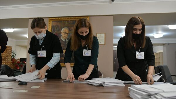 Выборы в органы местного самоуправления 2021 подсчет голосов  - Sputnik Абхазия