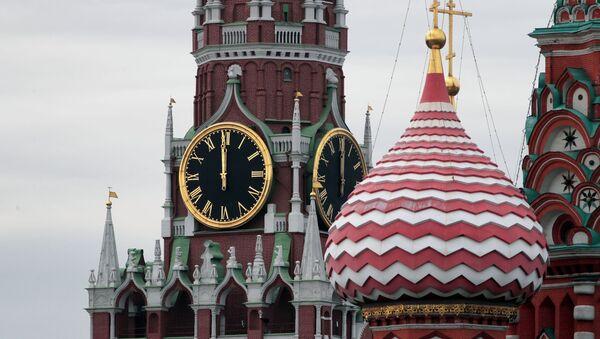В Москве куранты на Спасской башне московского Кремля временно остановят в связи с плановой заменой колоколов - Sputnik Абхазия