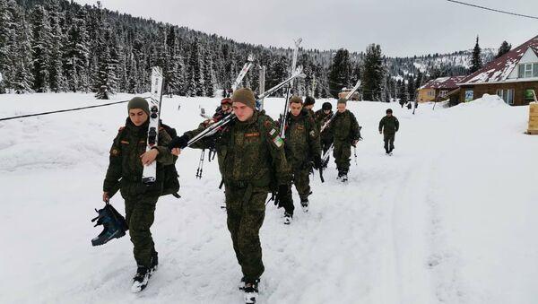 Подготовка военнослужащих Минобороны Абхазии к «Саянскому маршу» - Sputnik Аҧсны