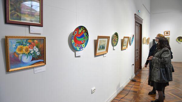 Персональная выставка Людмилы Будяк в ЦВЗ - Sputnik Абхазия