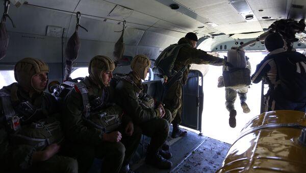 Отработка десантирования с вертолетов Ми-8АМТШ Терминатор в Краснодарском крае - Sputnik Абхазия