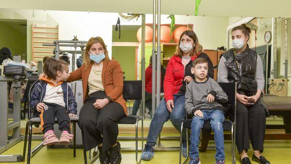 Ашана открыл сбор средств на покупку колясок для маломобильных детей - Sputnik Аҧсны