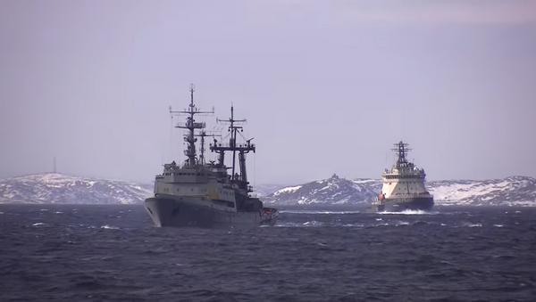 Учение по оказанию помощи условно пострадавшему кораблю в Баренцевом море - Sputnik Абхазия