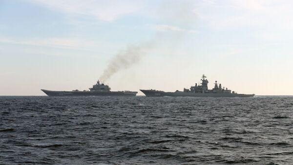 Британские ВМС и ВВС сопровождают российские корабли Адмирал Кузнецов и Петр Великий - Sputnik Абхазия