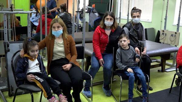 Навстречу жизни: Ашана собирает деньги на покупку инвалидных колясок для детей - Sputnik Абхазия