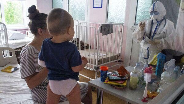 Лечение детей с COVID-19 в ГБУЗ ДГКБ им. З.А. Башляевой - Sputnik Аҧсны