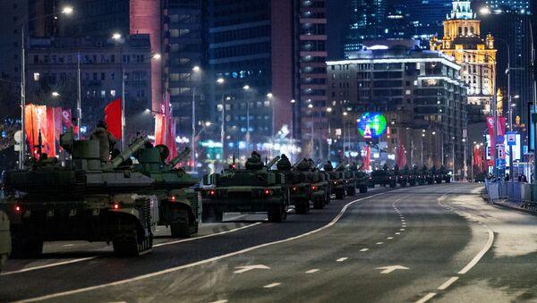 Ночная репетиция парада Победы в Москве - Sputnik Аҧсны