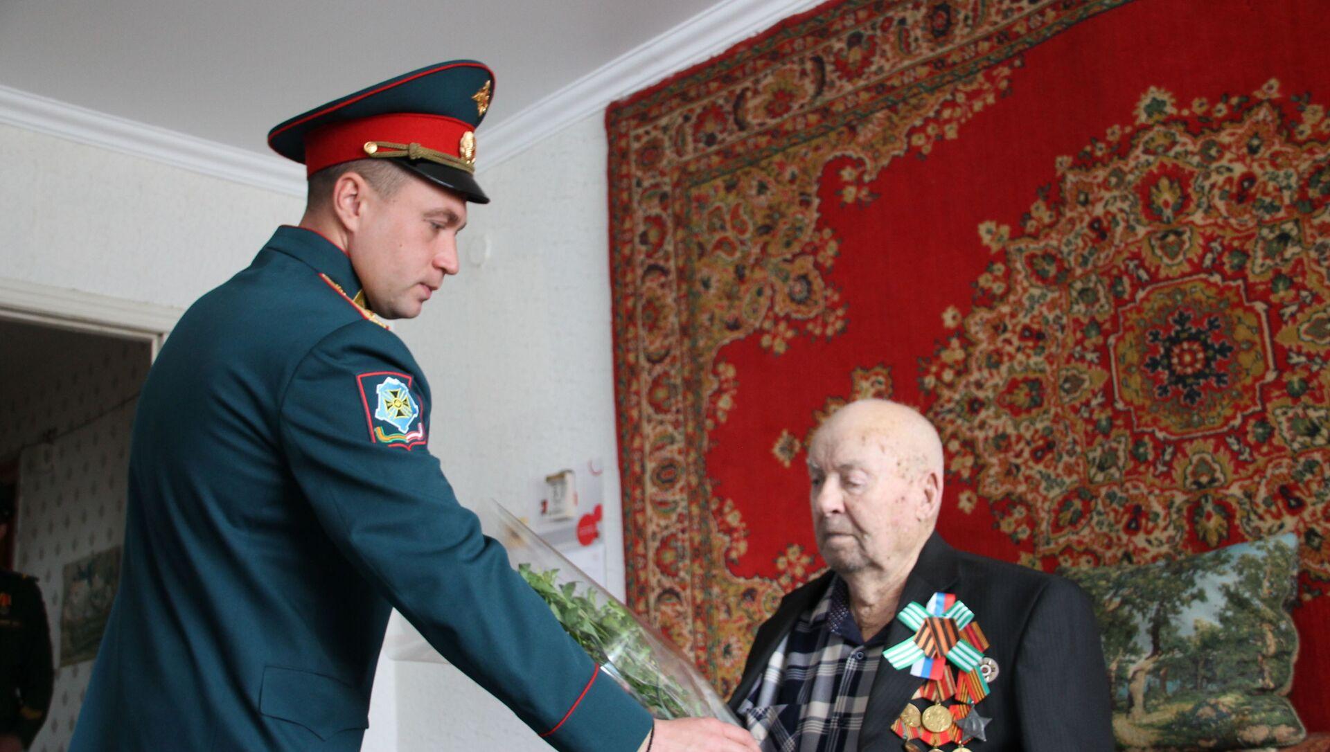 Поздравление ветеранов ВОВ  - Sputnik Аҧсны, 1920, 06.05.2021