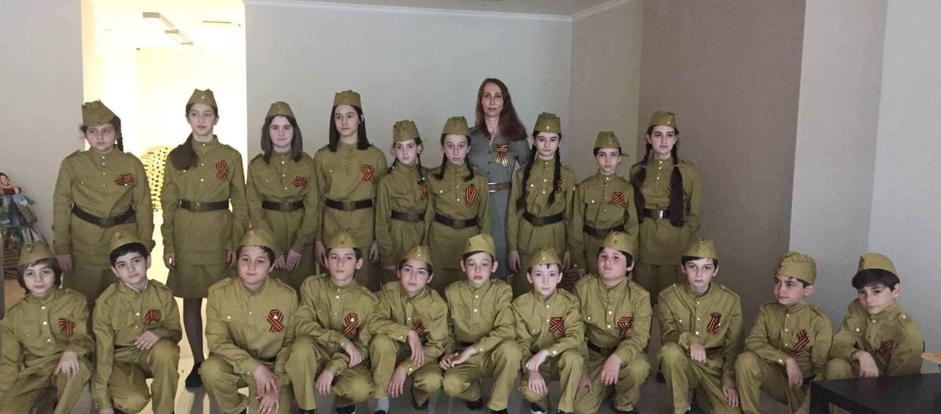 Показ военных фильмов в честь Дня Победы организовали в Сухуме  - Sputnik Аҧсны, 1920, 06.05.2021
