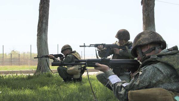 Разведчики ЮВО в Абхазии отразили нападение условных диверсантов на КПП воинского соединения - Sputnik Аҧсны