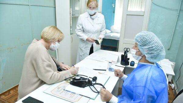 Вакцинация от COVID - 19 в Абхазии - Sputnik Абхазия