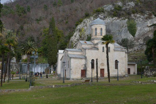 Храм Святого апостола Симона Кананита в Новом Афоне   - Sputnik Аҧсны
