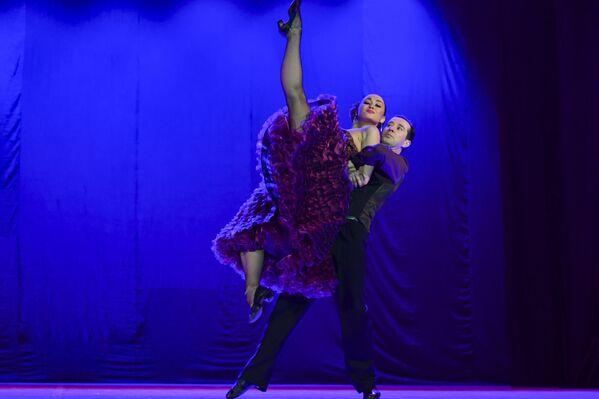 Ақәыргыламҭа Tango Del Plata – Игор Моисеев иԥсҭазаара даналҵ ашьҭахь раԥхьа иаԥырҵаз усумҭа дууп.  - Sputnik Аҧсны