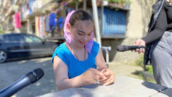 Избавиться от костылей: девятилетняя Анита рассказала о своей мечте  - Sputnik Абхазия