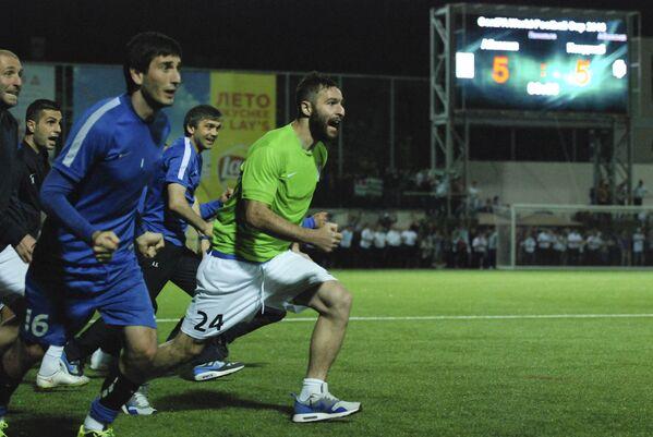 Так игроки сборной Абхазии отреагировали на победный гол в серии пенальти.  - Sputnik Аҧсны