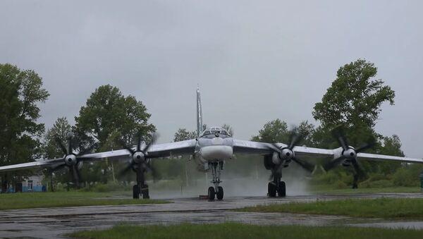 Экипажи самолетов Ту-95МС отработали полеты в сложных метеоусловиях в Амурской области - Sputnik Абхазия