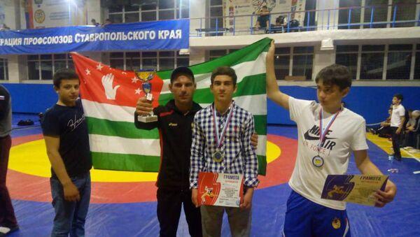 Межрегиональный турнир по вольной борьбе среди юниоров в возрасте от 14 до 20 лет  - Sputnik Абхазия