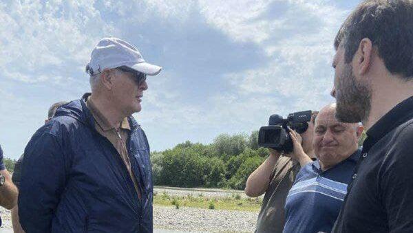 Сегодня президент Абхазии Аслан Бжания отправился с рабочей поездкой в Цандрипш.  - Sputnik Аҧсны