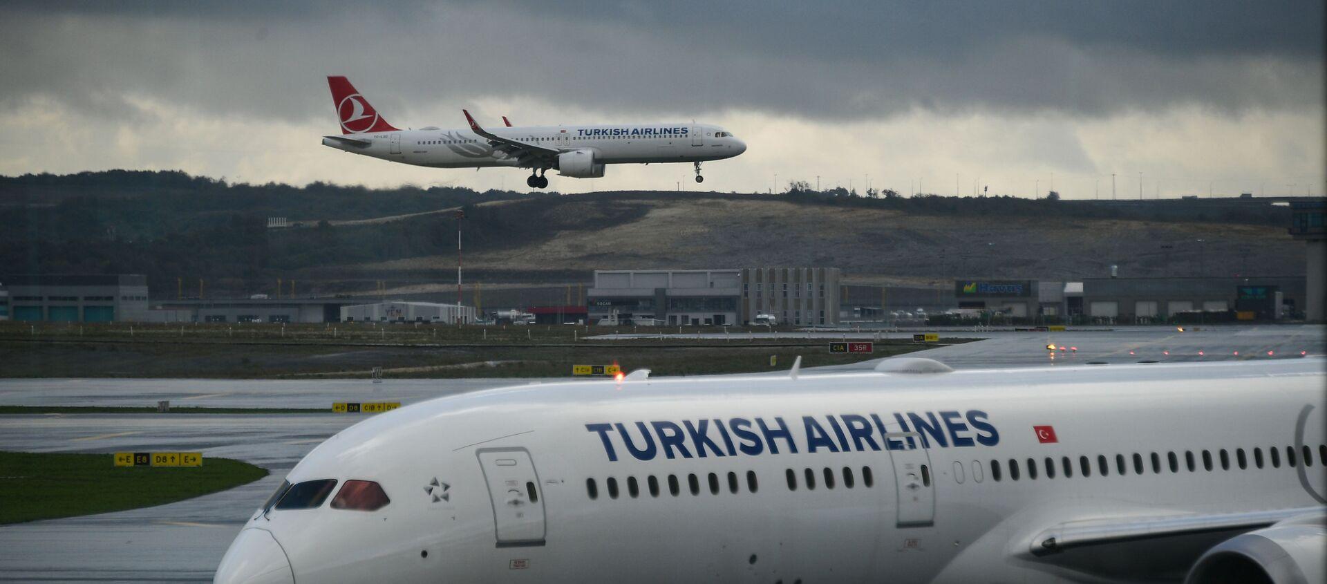 Самолеты авиакомпании Turkish Airlines в Международном аэропорту Стамбул - новый аэропорт в Стамбуле, самый крупный в Турции. - Sputnik Аҧсны, 1920, 13.09.2021