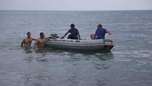 Сотрудники МЧС Абхазии предотвратили чрезвычайную ситуацию в акватории Сухумской бухты  - Sputnik Аҧсны