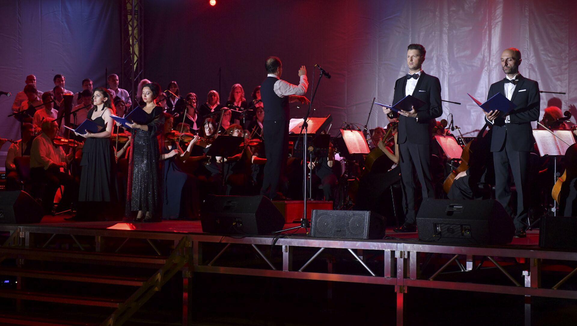 Фестиваль Opera Viva прошел на набережной Сухума  - Sputnik Аҧсны, 1920, 10.07.2021