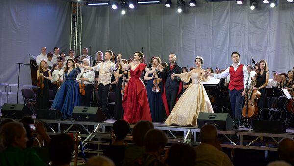 Концерт у моря: как прошел фестиваль Opera Viva в Сухуме     - Sputnik Абхазия