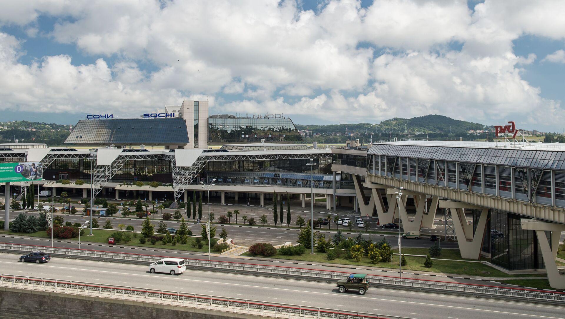 Вид на аэропорт Адлер в Сочи. - Sputnik Абхазия, 1920, 01.10.2021