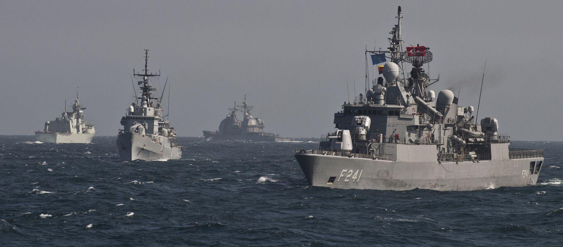 Военные корабли Постоянной морской группы-2 НАТО принимают участие в учениях на Черном море в 60 км от города Констанца - Sputnik Абхазия, 1920, 27.08.2021