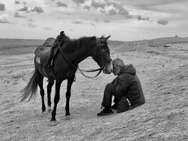 Снимок Bonding фотографа из Индии Sharan Shetty, занявший 1-е место в номинации Photographer of the Yearконкурса IPPAWARDS 2021 - Sputnik Абхазия