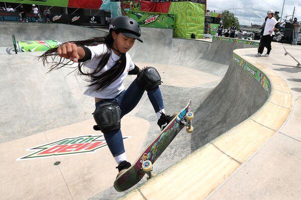 Японская скейтбордистка Кокона Хираки - Sputnik Абхазия