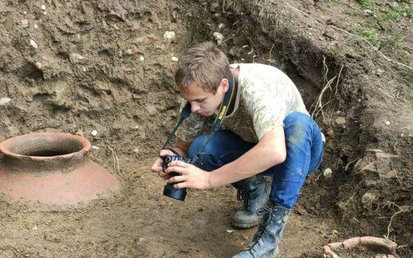 Древние пифосы были найдены при раскопках в Меркуле - Sputnik Абхазия