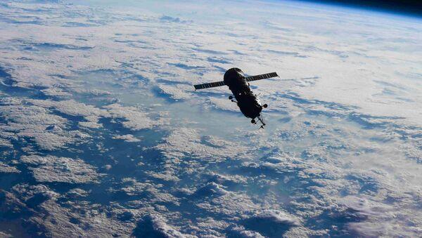Стыковочный отсек-модуль Пирс в открытом космосе - Sputnik Аҧсны
