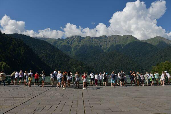 Озеро Рица в реликтовом национальном парке Абхазии - Sputnik Абхазия