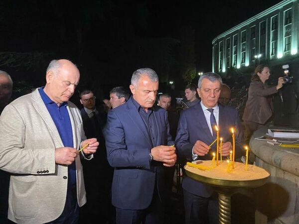Президент Абхазии почтил память жертв грузинской агрессии в ходе мероприятий в Цхинвале. - Sputnik Абхазия